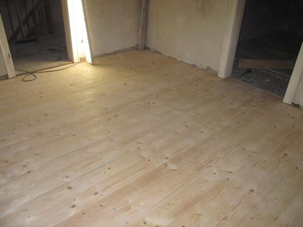 Fußboden Aus Rauhspund ~ Fußboden teppich terbaru fußboden dielen weiß streichen