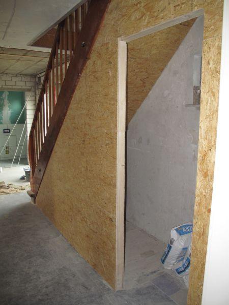 abstellraum bzw kellerzugang unter der treppe diy. Black Bedroom Furniture Sets. Home Design Ideas