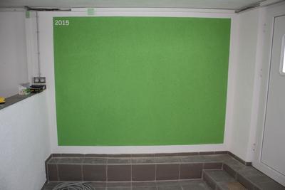 Wandfläche deckend gestrichen