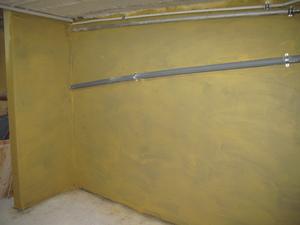 Kellerwand: Kalkfarbe