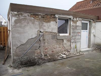 Garagenwand: Putz entfernen