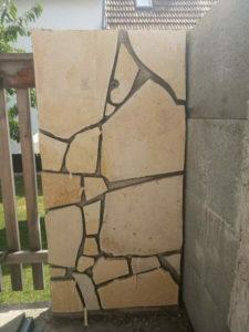 Bruchsteinplatten auf Schalsteinen